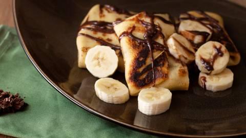 ▶▶ Lietiniai su bananais ir šokoladu