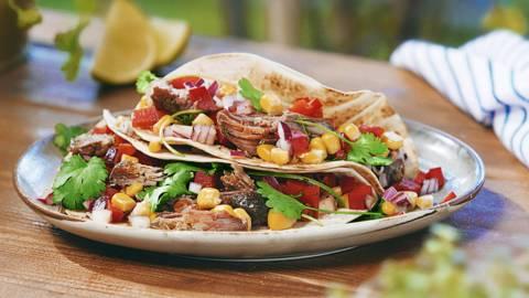 """▶▶ """"Tacos"""" su kepta jautiena ir kukurūzų salsa"""