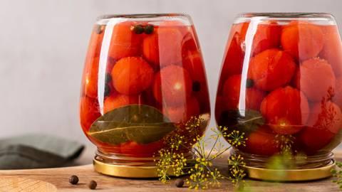 Saldžiarūgščiai marinuoti pomidoriukai