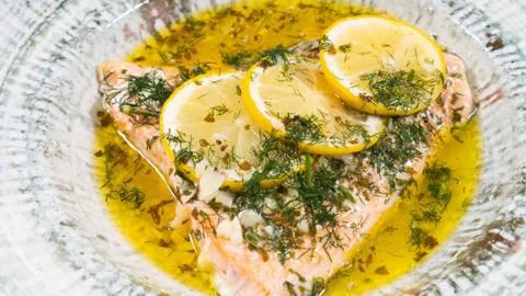 ▶▶ Sviestinė lašiša su citrinomis ir medaus padažu
