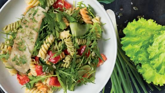 Makaronų salotos su žuvimi