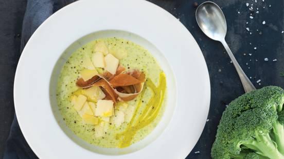 Brokolių ir pelėsinio sūrio sriuba