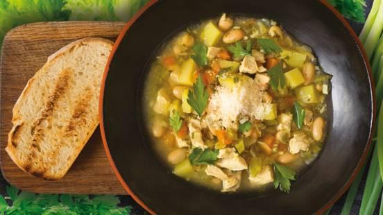 Soti toskanietiška sriuba su vištiena ir pupelėmis