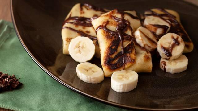 Lietiniai su bananais ir šokoladu