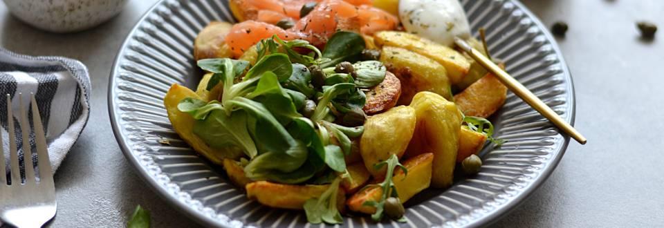 Bulvių salotos su rūkyta lašiša
