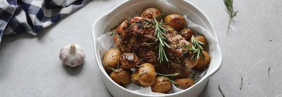 Avienos kumpis su bulvytėmis
