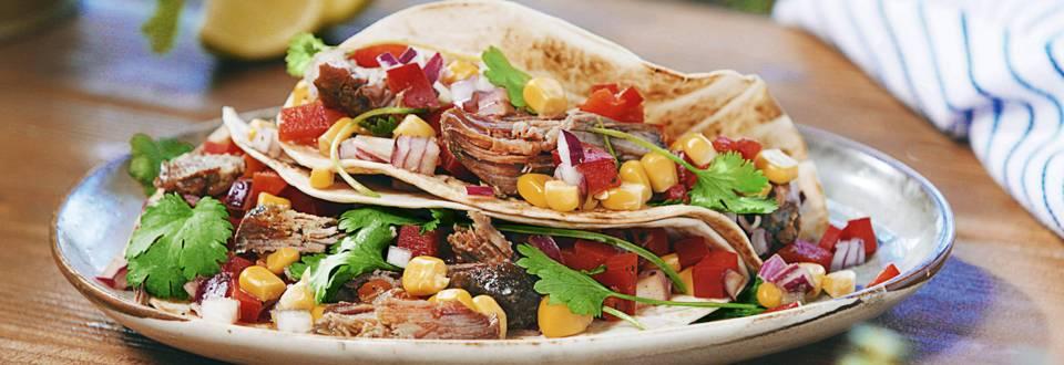"""""""Tacos"""" su kepta jautiena ir kukurūzų salsa"""