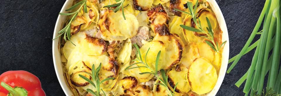 Bulvių apkepas su kiauliena ir rozmarinais