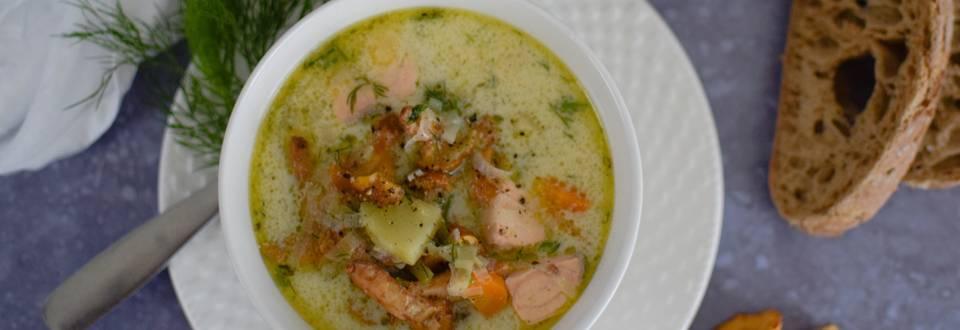 Voveraičių sriuba su lašiša