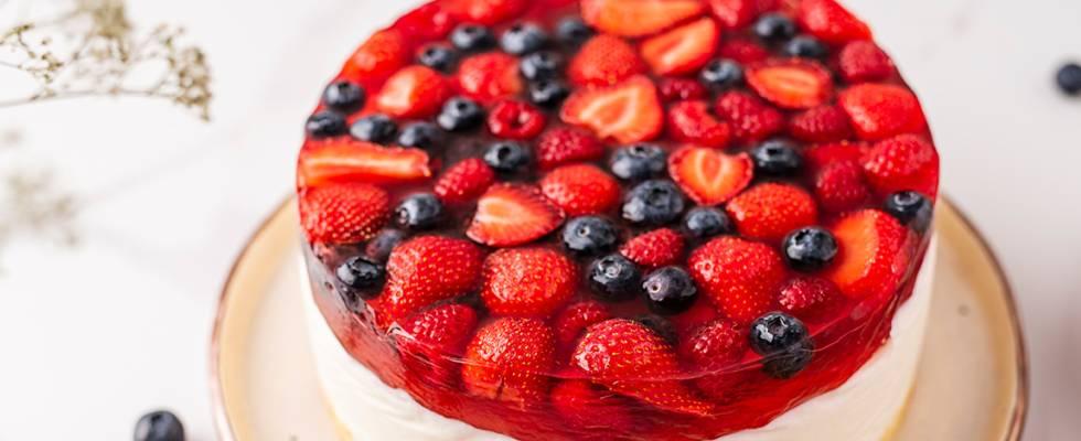 Varškės ir želė tortas su uogomis - 1 žingsnis