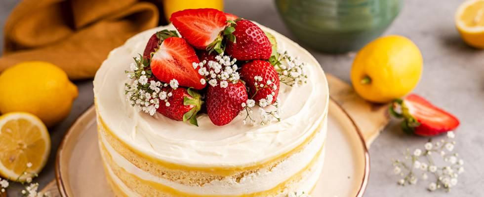 Biskvitinis maskarponės tortas su braškėmis ir citrinų kremu